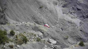 Cerca de 35 toneladas de destroços foram retiradas do local da queda do Airbus A320 da Germanwings, no dia 24 de março.
