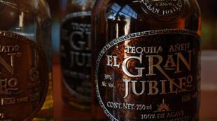 México exportó el año pasado más de 3,7 millones de litros de tequila a Francia, tercer consumidor en Europa, en tanto que el coñac sigue ganando adeptos en México.