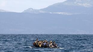 Мигранты у берегов Греции, октябрь 2015.