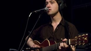 Conor O'Brien au studio 136