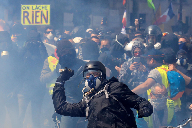 """بلک بلوکها گروهی خشونت طلب با ایدوئولوژی """"مخالف"""" هستند و غالبا در قالب برگزاری راهپیمایی و اقدامات خشونتآمیز عمل میکنند."""
