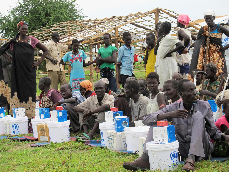 Le 18 juin 2017, des déplacés sud-soudanais dans le camp de Bentiu reçoivent des vivres distribués par l'ONU. (photo d'illustration)