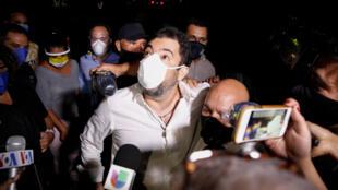 Roberto Marrero, chef de cabinet du chef de l'opposition Juan Guaidó, s'adresse aux médias après avoir été libéré par la grâce du président vénézuélien Nicolás Maduro, à Caracas, Venezuela, le 31 août 2020.