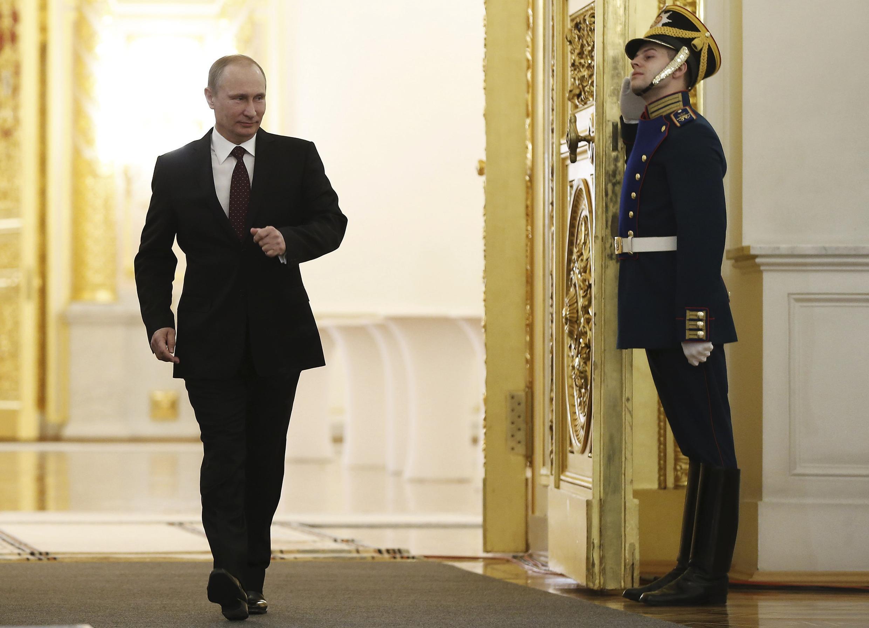 Владимир Путин перед ежегодным посланием в Кремле 12/12/2013