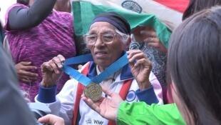 A indiana Man Kaur começou o atletismo com mais de 90 anos de idade