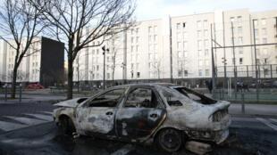 """شهرک """"Aulnay-sous-Bois"""" واقع در شمال شرقی پاریس. سهشنبه ۱۹ بهمن/ ٧ فوریه"""