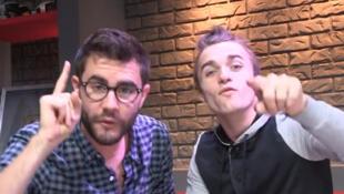 Cyprien e Squeezie (à direita), duas estrelas do Youtube na França, romperam o silêncio sobre o assédio sexual praticado por alguns criadores na internet.