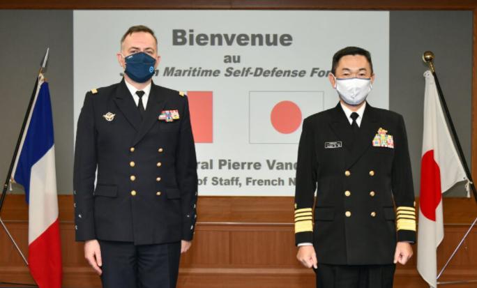 法國海軍參謀長範迪埃訪日資料圖片