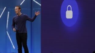 Mark Zuckerberg durante conferência anual de programadores do Facebook.