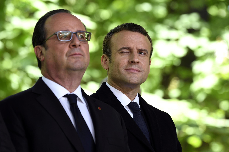 Франсуа Олланд и Эмманюэль Макрон, 10 мая 2017 года.