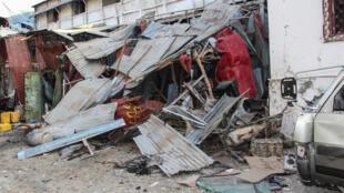 Al-Qaeda-linked jihadists detonated a car bomb at the entrance to Mogadishu's Hotel Afrik