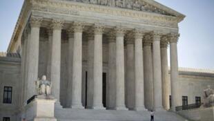 Suprema Corte dos EUA declara constitucional método de execução por injeção