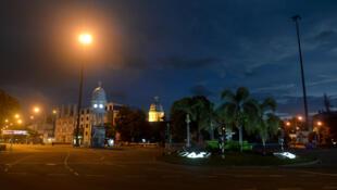 A cidade de Colombo, no Sri Lanka, instarou um toque de recolher logo após os atentados.