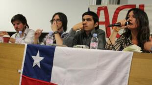 Los estudiantes chilenos en París  buscaron apoyo en su lucha para lograr una educación gratuita, pública y de calidad para todos en Chile.