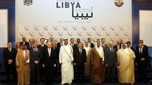 Генеральный секретарь ООН Пан Ги Мун среди участников контактной группы по Ливии. Катар 13/04/2011