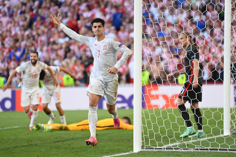 Alvaro Morata scored his second goal of the tournament to help Spain into the quarter-finals