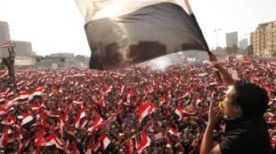 Opositores pedem a demissão do presidente egípcio Mohamed Mursi em manifestação no Cairo nesta quarta-feira, 3 de julho de 2013.