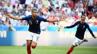 法国4:3战胜阿根廷  挺进8强,前锋姆巴佩梅开二度   2018年6月30日