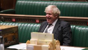 Londres, le 30 décembre 2020. Le Premier ministre britannique Boris Johnson réagit lors d'un débat à la Chambre des communes.