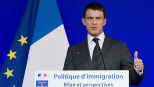 2014年1月31日法国内政部长瓦尔斯(Manuel VALLS)主持2013-2014年度移民政策总结与展望新闻发布会