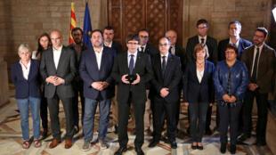 Carles Puigdemont declaró en un mensaje oficial la victoria en la consulta y anunció el envío de los resultados al parlamento catalán para que declare la independencia.