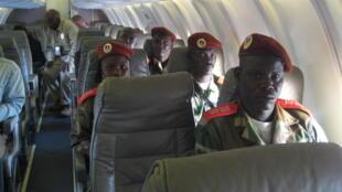 Wakilan 'Yan tawayen Seleka akan hanyarsu daga Ndjamena zuwa Libreville.