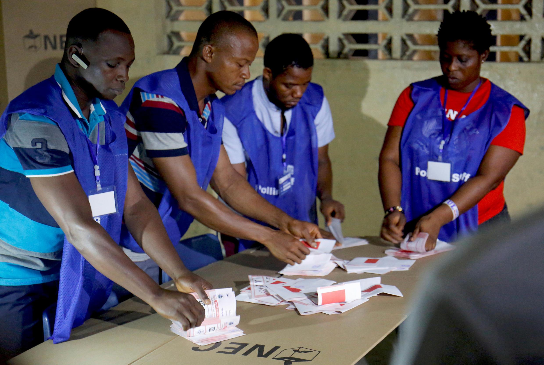 Zoezi la kuhesabu kura lilianza Jumanne usiku Desemba 26, Liberia.