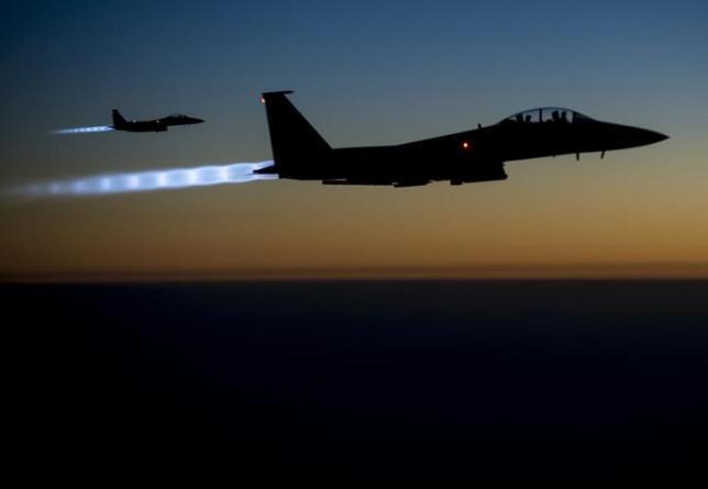 Hai tiêm kích Mỹ F-15E trên không phận bắc Irak (Ảnh chụp sáng 23/09/2014)