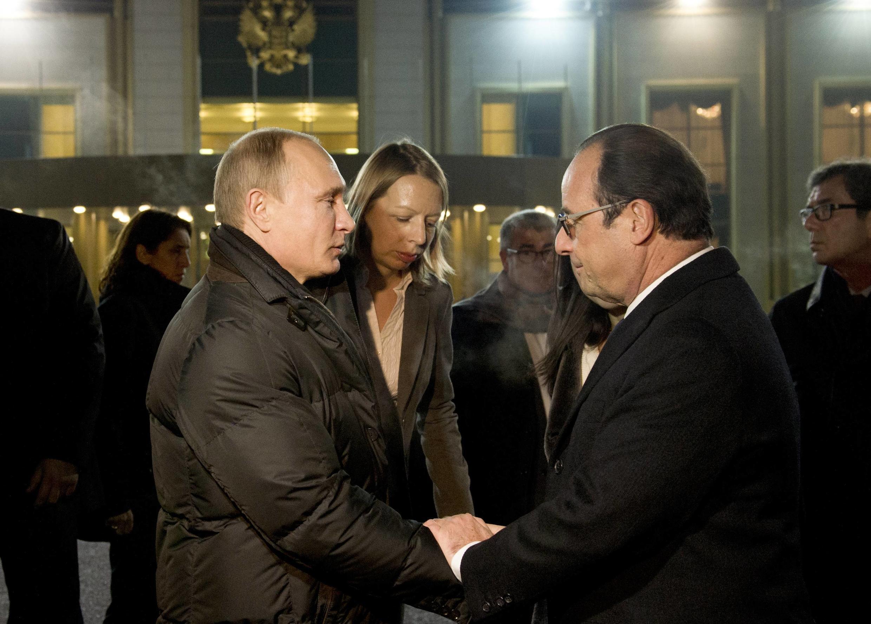 Встреча глав Франции и России прошла в субботу, 6 декабря, в аэропорту Внуково.