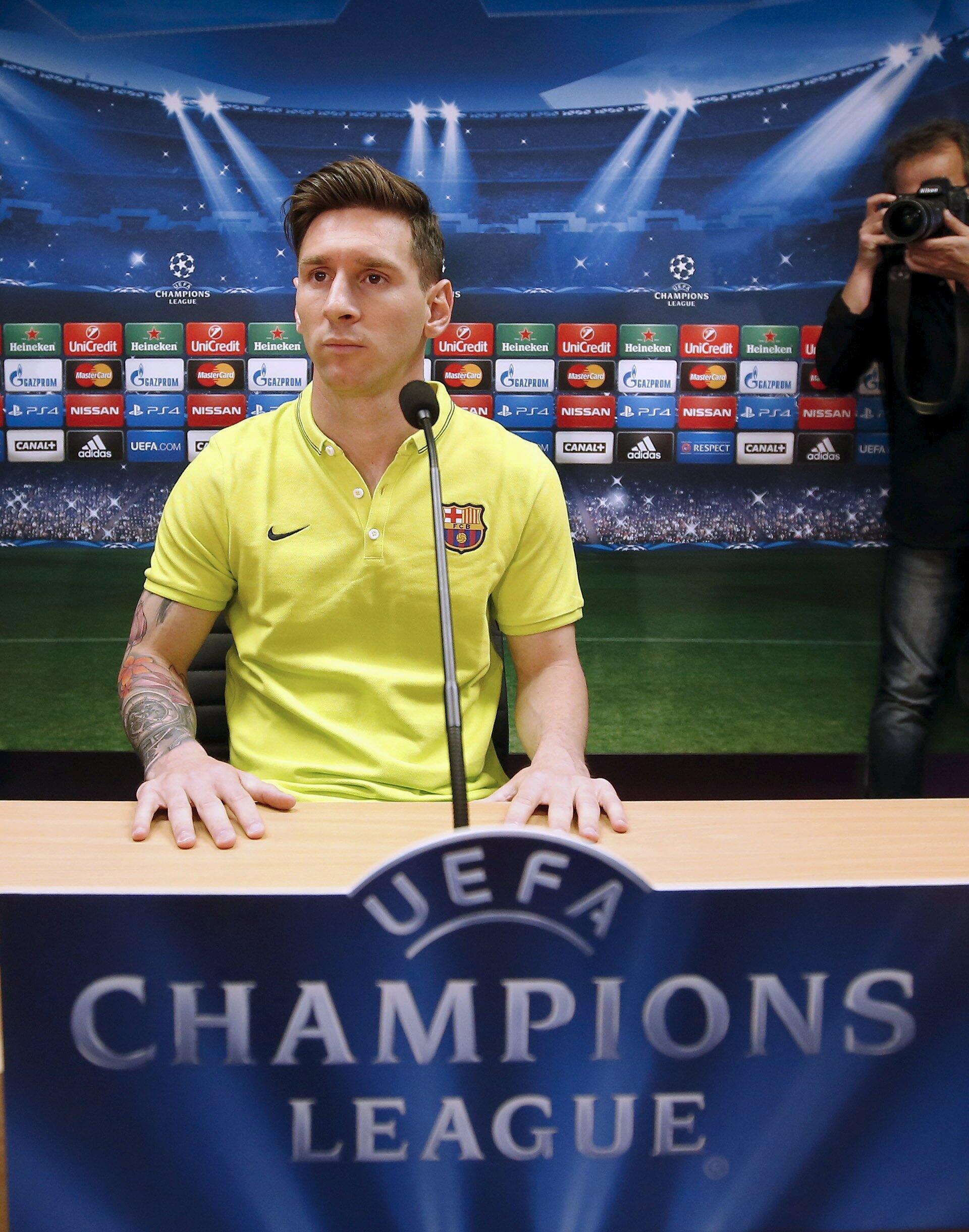 O jogador Messi durante coletiva de imprensa em Barcelona, Espanha.