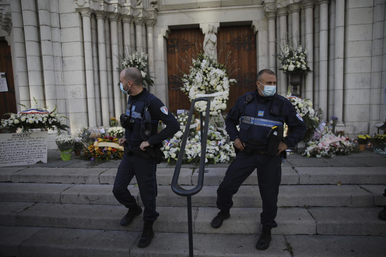 Un deuxième homme a été interpellé, le 30 octobre 2020, soupçonné d'avoir côtoyé le tueur de la basilique Notre-Dame de l'Assomption à Nice, la veille du triple assassinat.