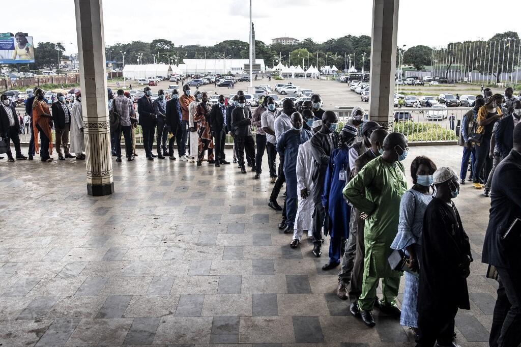 guinée transition june cnrd doumbouya societe civile