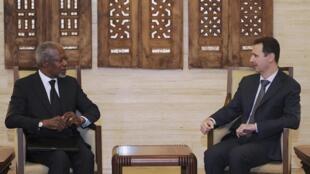 Bashar al-Assad, presidente sírio, durante encontro com o emissário Kofi Annan, no sábado.
