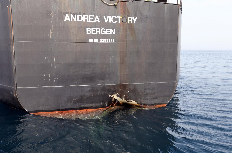 حفرۀ ایجادشده بر بدنل نفتکش نروژی: احتمالاً انفجار؟