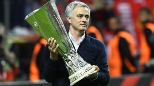 José Mourinho, treinador português, levou o Manchester United à vitória da Liga Europa 2016/2017.