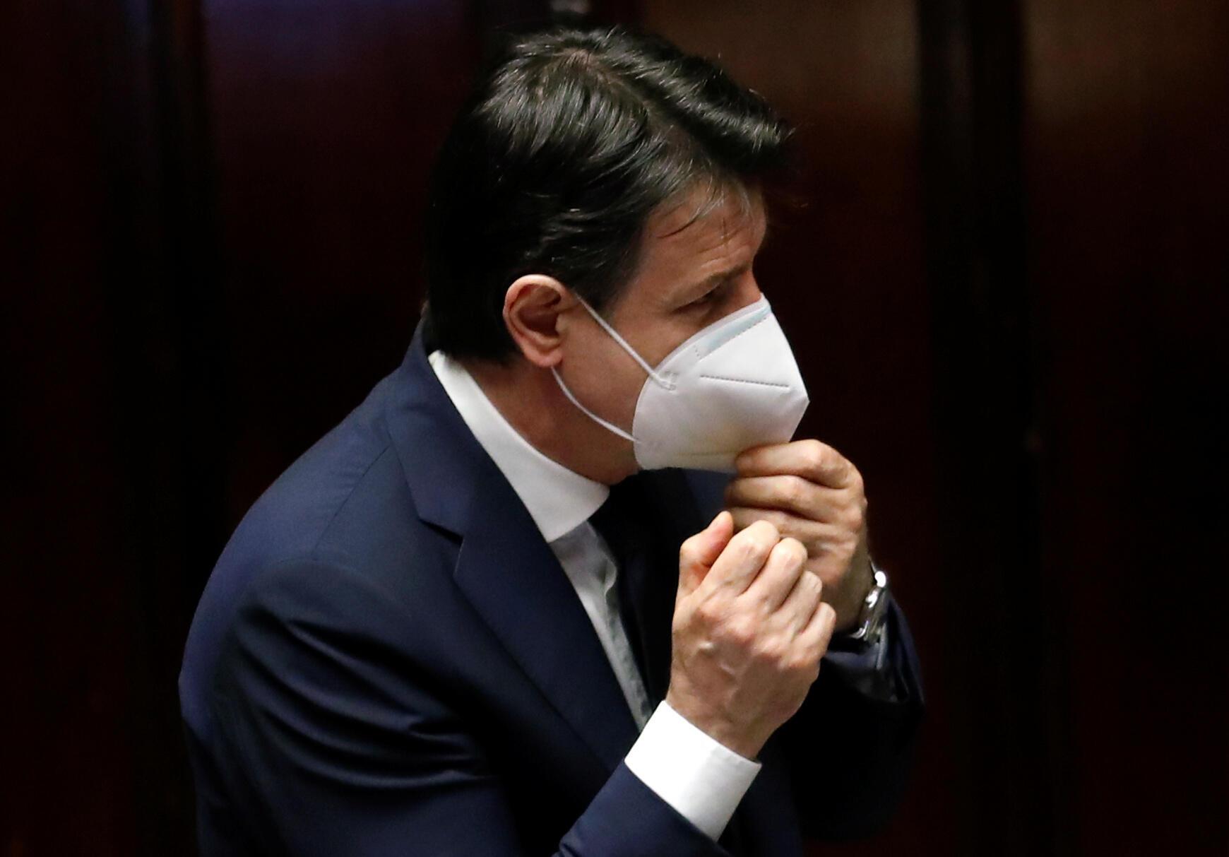 PM italiano, Giuseppe Conte, quer saída do confinamento mas missas ainda não são autorizadas