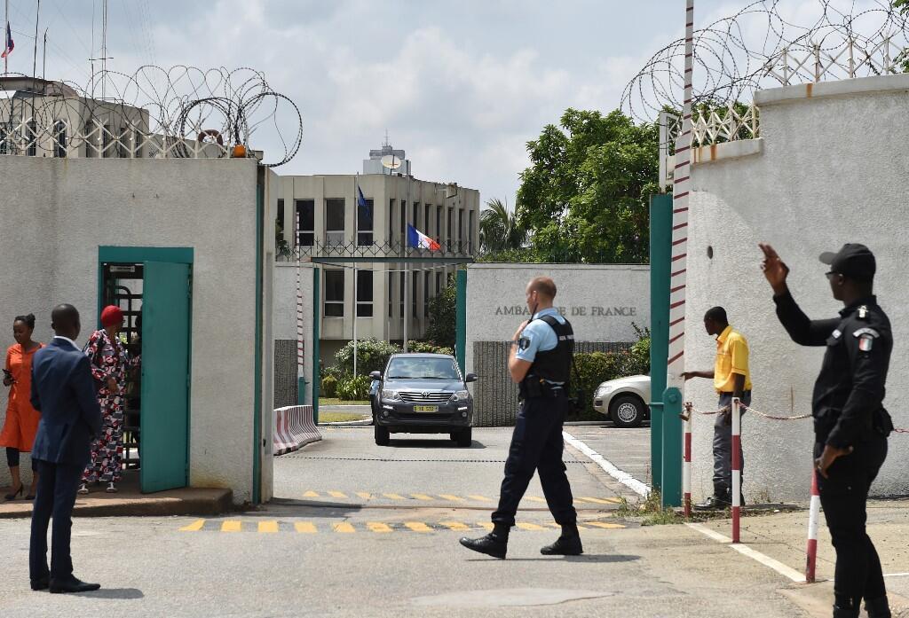 L'ambassade de France à Abidjan, le 15 juillet 2016.