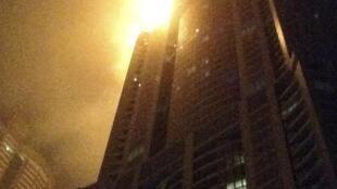 杜拜摩天大楼发生火灾有4人轻伤