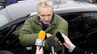 Julian Assange s'adresse à la presse le 18 décembre 2010.