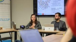 比利時布魯塞爾自由大學中國問題教授方文莎(左)資料圖片