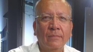 Vicente Quirarte en los estudios de RFI