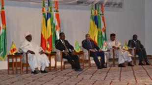 Les cinq chefs d'Etat réunis à Nouakchott pour parler de la situation sécuritaire en Libye, le 19 décembre.