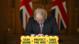 Thủ tướng Boris Johnson trong cuộc hộp báo ngày 26/01/2021 tại Luân Đôn về tình hình dịch Covid-19 tại Anh Quốc.
