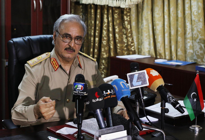 """کنفرانس مطبوعاتی """"خلیفه حفتر"""" ژنرال بازنشسته ارتش لیبی و از فعالین مبارزه علیه حکومت معمر قذافی"""