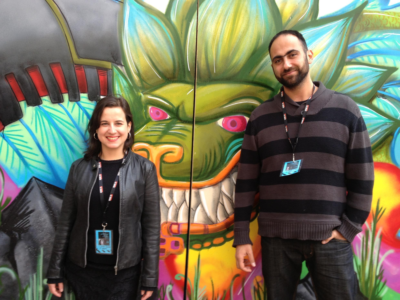 A produtora Beatriz Carvalho e o roteirista e diretor Rafael Aidar no pátio da Cinemateca de Toulouse em 23 de março de 2013.