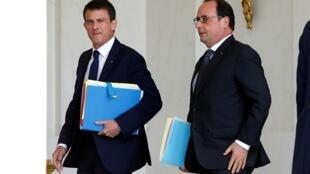 Presidente francês, François Hollande, e premiê Manuel Valls participaram de reunião de emergência do Conselho de Defesa, nesta quarta-feira, para falar sobre denúncias de espionagem americana.