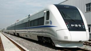 Bombardier của Canada là một trong những tập đoàn phương Tây đã giúp Trung Quốc phát triển tàu cao tốc, như với kiểu CRH1 trên đây.