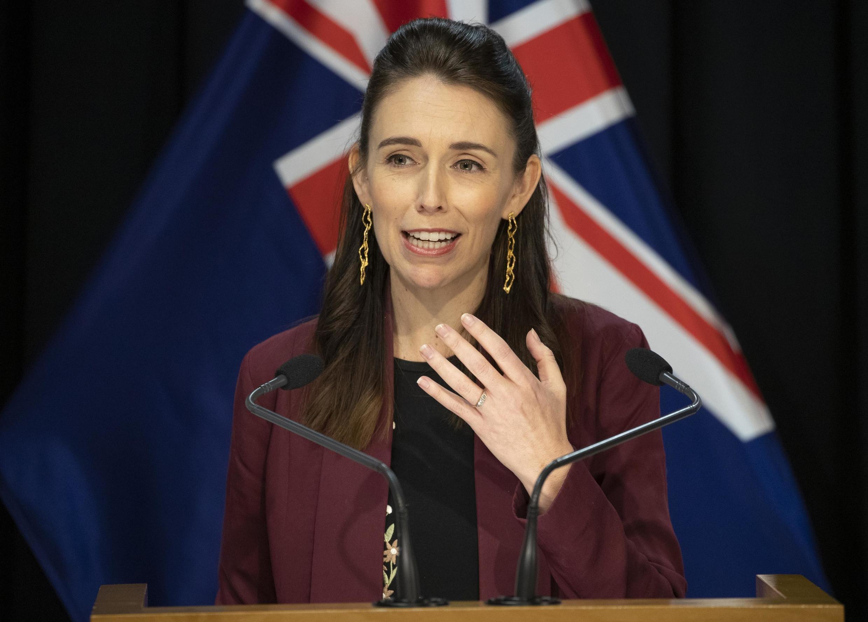 La Premier ministre néo-zélandaise Jacinda Ardern lors d'une conférence de presse sur la crise du coronavirus, le 27 avril 2020 à Wellington.