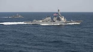 Tàu tuần tra USS Lassen (DDG 82) của Mỹ, trong kỳ tập trận Foal Eagle 2015 - REUTERS /U.S. Navy