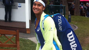 A tenista brasileira Teliana Pereira após sua primeira vitória em Roland Garros.